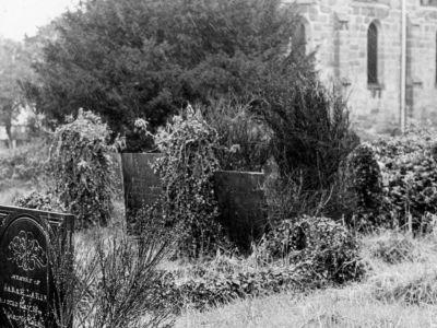 all_saints_church_exteriors_churchyard_3.jpg