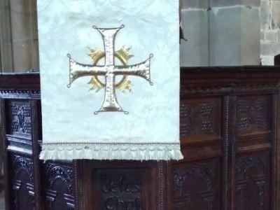 all_saints_church_interiors_16.jpg