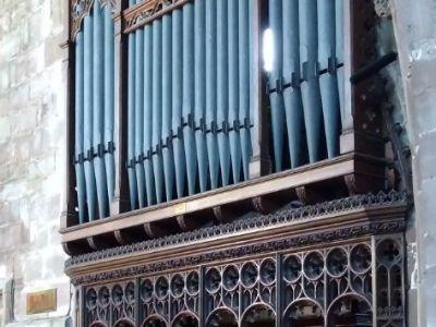 all_saints_church_interiors_15.jpg